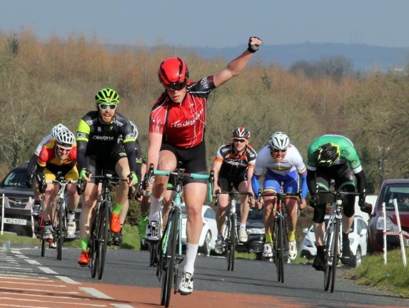 Gilmore sprints to victory in Carn Classic